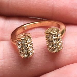 Gorgeous NWOT Trina Turk pave bar ring!